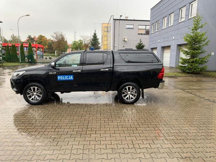 Ostródzcy policjanci otrzymali nowy samochód terenowy